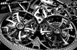 """روجيه دوبوي الحركة الميكانيكية لساعة """"أسترال سكلتون"""" . Roger Dubuis Astral Skeleton mechanical movement"""