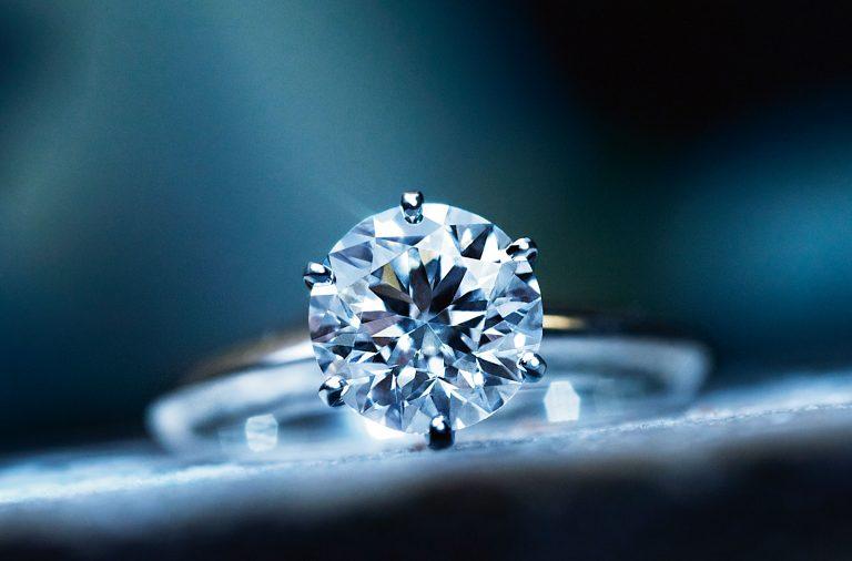Solitaire-diamond-in-Tiffany-setting