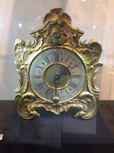 ساعة طاوة روكاي، مصمم مجهول الهوية، ألمانيا، النصف الثاني من القرن الثامن عشر. متحف صناعة الساعات الدولي لا شو دو فون، سويسرا