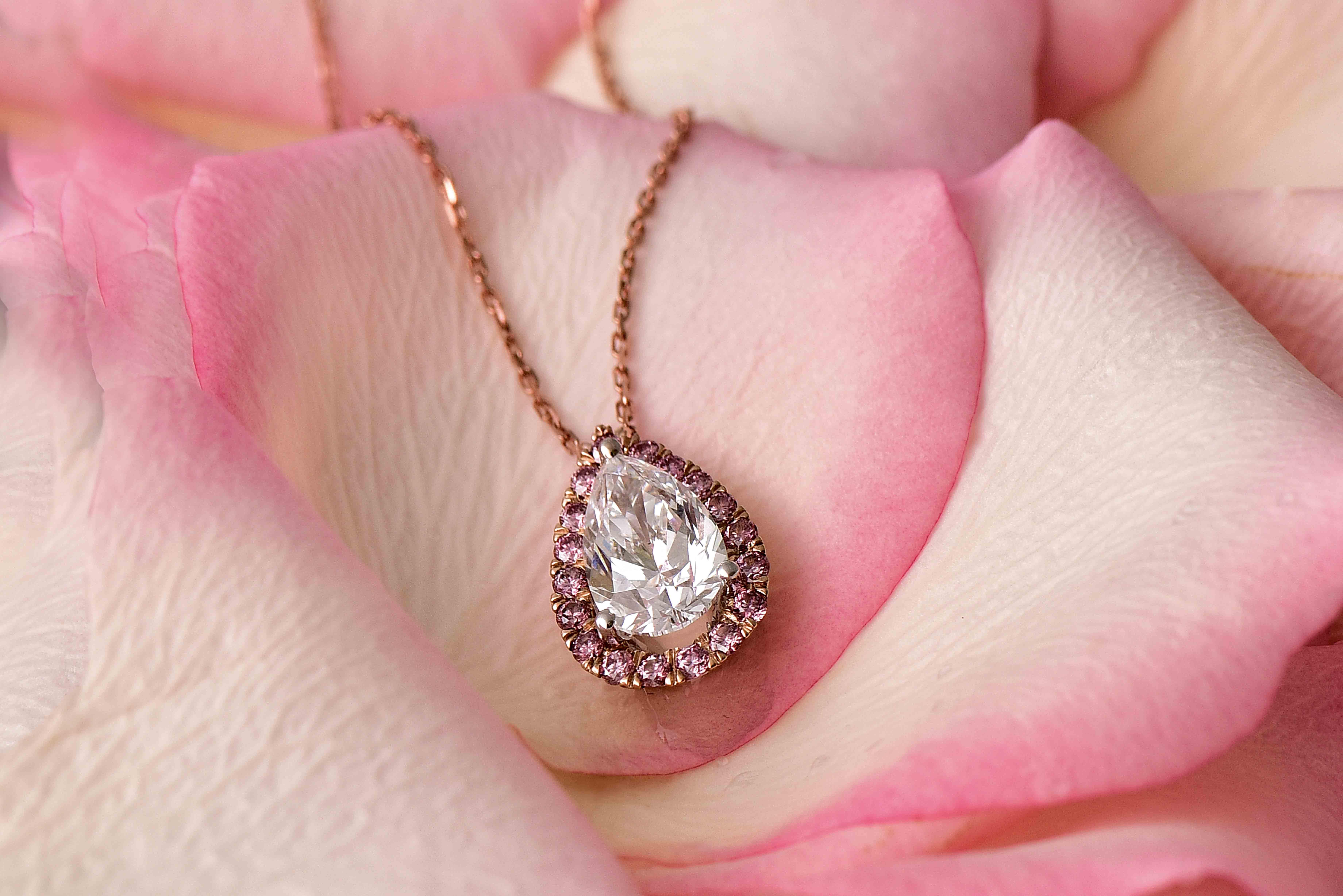 0df019e86b9f4 دار Dhamani الرائدة في مجال تصميم المجوهرات اختيرت لتكون المحترف المتخصص  لدار Argyle Pink Diamonds في الشرق الأوسط. House of Dhamani التي أنشئت في  العام ...