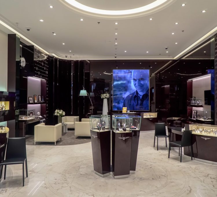 بوتيك دار Longines الجديد في دبي مول. (Longines)