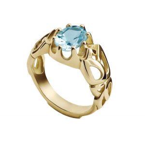 خاتم من الذهب يعلوه حجر كريم بلون مشرق. (المصدر:Harvey Nichols)