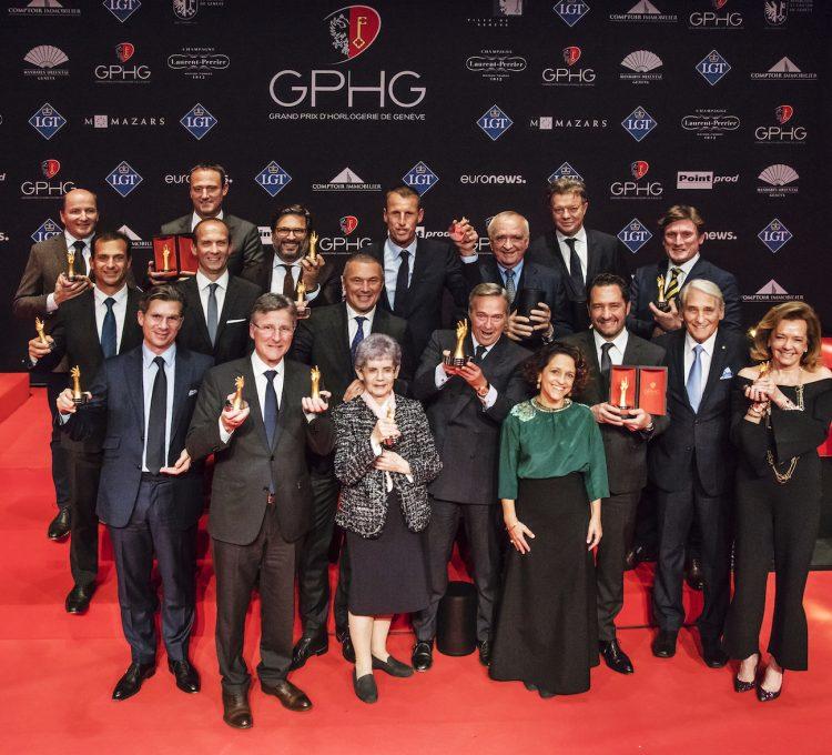 صورة جماعية للفائزين بمسابقة جنيف الكبرى للساعات.